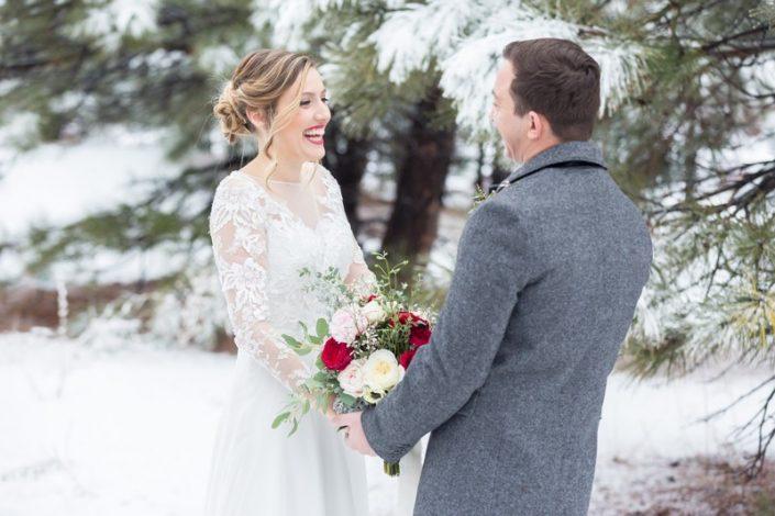 Beautiful photography and a visionary gesture the bride and groom 1 705x470 ژست های عکاسی زیبا و رویایی عروس و داماد