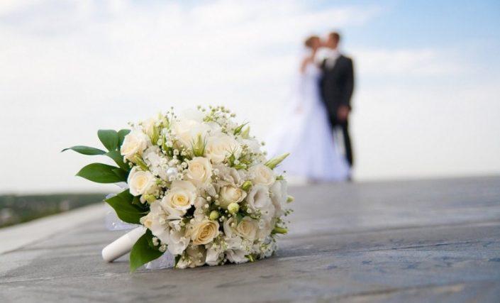 Beautiful photography and a visionary gesture the bride and groom 2 705x427 ژست های عکاسی زیبا و رویایی عروس و داماد