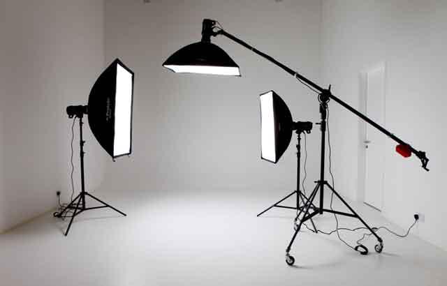 std 640 آشنایی با تجهیزات آتلیه عکاسی