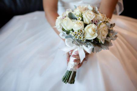 bride flowers ورود عروس و داماد در جشن عروسی