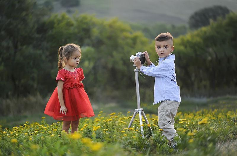 idea of outdoor photography 12 ایده عکاسی از کودک در فضای باز