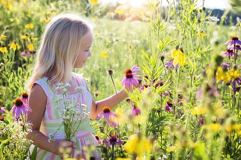 idea of outdoor photography 9 ایده عکاسی از کودک در فضای باز