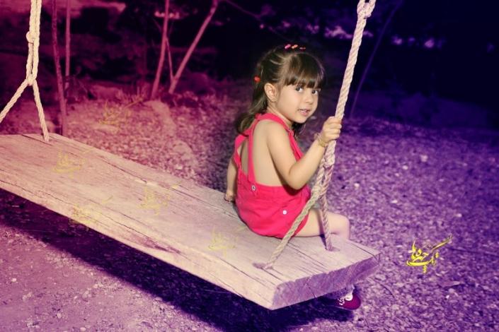 child outdoor photography 1 705x470 آتلیه عکاسی کودک