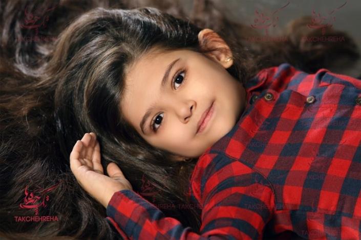 child photography40 705x470 آتلیه عکاسی کودک