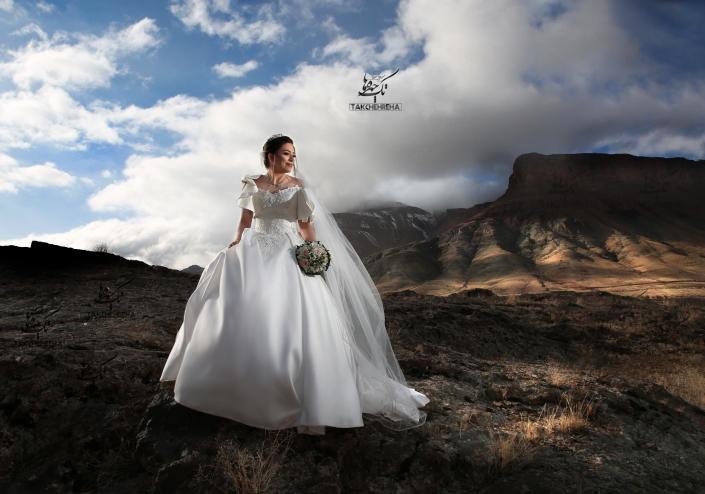 22 705x494 آتلیه عکاسی عروس و داماد